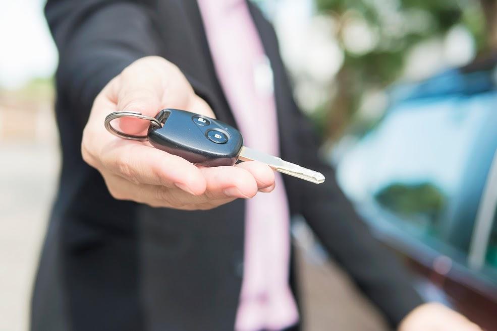 entrega llaves comprador coche